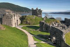 Anglų lietuvių žodynas. Žodis castle in the air reiškia pilis iš oro lietuviškai.