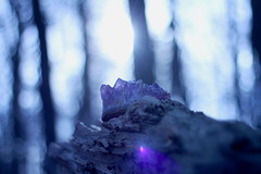 Cursed Amethyst (Meastropulation) Tags: blue sunset sky sun macro beauty canon krone photo spring crystals glow crystal bokeh magic glowing amethyst makro magical sonne curse beautifull cursed kristall schn eragon verflucht strahlen edelstein gttlich magisch glhen halbedelstein