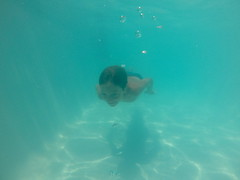 Barra da Ibiraquera SC (Mercedesdiaz) Tags: boy praia beach kids underwater playa underthewater bajoelagua gopro