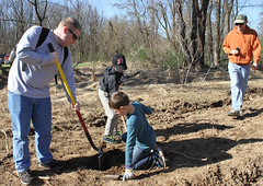 Take Pride in Blue Marsh Lake Day (USACE Philadelphia District & Marine Design Center) Tags: county blue lake day pride take marsh berks earthday dams volunteerism