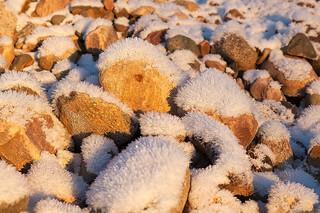 Каменные ежики