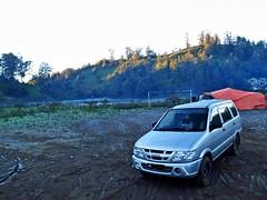 Isuzu Panther Lm Smart (rendy52) Tags: lake car silver indonesia panther semeru isuzu ranupani isuzupanther