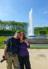 Selfportrait with Lena, camera, and fountain (Igor Sorokin) Tags: park camera blue trees portrait sky selfportrait france love fountain sunshine architecture self landscape nikon scenery kiss scenic tourists lovers lena versailles wife siteseeing i