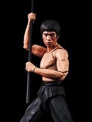 vintage movie poster style (Toyman_) Tags: photoshop actionfigure brucelee bandai enterthedragon shfiguarts