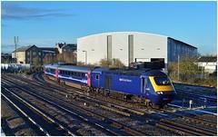 Arriving at Swindon (Nic Joynson) Tags: steel swindon mini paddington cheltenham firstgreatwestern 66040 43195 1l36 swindonstores
