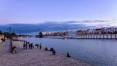 Pasa la vida. (David Andrade 77) Tags: city espaa ro river sevilla andaluca spain guadalquivir ciudad seville triana spagne hispalis