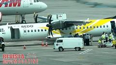 Barreiras: Turbina de avio da Passaredo pega fogo ao chegar em Braslia (revistabarramagazine) Tags: brasilia turbina passaredo pegafogo barreirasba turbinadeavio pegoufogo aviodapassaredo turbinapegoufogo