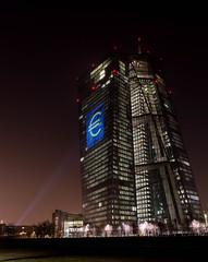 Europische Zentralbank (mcmlxxx.de) Tags: frankfurt nachtaufnahme hochhaus langzeitbelichtung ezb europischezentralbank luminale