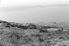 Connemara 01 (Ian Atrus Gazzotti  iangazzotti.com) Tags: ocean ireland sea blackandwhite bw water analog 35mm nikon bn connemara biancoenero irlanda nikonf70 f70
