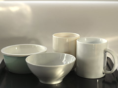 Desayuno con Morandi - Abril, dia 8 (Micheo) Tags: stilllife breakfast blog bowl bodegn mug minimalismo desayuno taza saucer morandi april30pictures