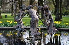 Rotterdam 10-04-2016 SM-17 (Pure Natural Ingredients) Tags: park flowers holland garden spring nikon d70 nederland thenetherlands sigma f18 f28 bloemen euromast zuid 105mm niceweather voorjaar schoonoord d90 50mmoutdoor botanicbotanishetuin