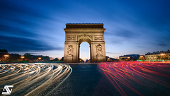 Turn around (A.G. Photographe) Tags: longexposure sunset paris france french nikon europe ag bluehour capitale nikkor arcdetriomphe franais parisian anto champslyses xiii parisien heurebleue 1424 antoxiii agphotographe
