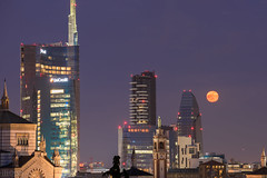 MILANO - SKYSCRAPERS (ilic photographer) Tags: longexposure moon milan night skyscraper nikon cityscape milano d810 nikond810