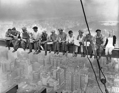 BE001089 (kasperjordt) Tags: newyorkcity people usa building male men skyscraper lunch sitting adult eating manhattan group rockefellercenter officebuilding smoking beam american meal northamerica newyorkstate resting constructionsite groupofpeople height constructionworker occupations gebuilding rcabuilding midatlantic midtownmanhattan northamerican midadult midadultman urbanscene workbreak caucasianethnicity