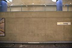 U-Bahnhof (U55) Bundestag - Bahnhofsnamen (Pascal Volk) Tags: berlin underground subway metro platform bahnhof wideangle railwaystation ubahn wa ww subwaystation 16mm ubahnstation metrostation ubhf superwideangle undergroundrailway sww bvg berlinmitte uwa weitwinkel swa rapidtransit vbb ultrawideangle metrosystem uww untergrundbahn ubf ubahnhaltestelle berlinubahn ultraweitwinkel superweitwinkel berlinerverkehrsbetriebe u55 canonef1635mmf4lisusm canoneos6d uhst