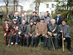 . (inzaler) Tags: two people history germany soldier memorial war flickr military wwii front victory german soviet ww2 soldiers russian 2wk soldat russie veterans soldaten deutsch ussr medals arme rusia seconde kaputt prisoners photographe  russe russland  russisch       rssia   rusya  rusko  rusija inza sovietico   ruscia         russja rsya ruslaand rusiye rusn sidelnikov    inzaler