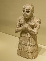 Sumerian votive figure possibly Mari (modern Syria) 2900-2500 BCE Alabaster (mharrsch) Tags: seattle male washington ancient worship religion mari figure syria figurine votive seattleartmuseum sumer alabaster 26thcenturybce mharrsch 28thcenturybce 27thcenturybce 29thcenturybce 25thcenturybce