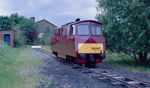 "When I grow up I am going the be a ""Western"" class 52. (B-BDH SL 22/1973 at Llanuwchllyn, Wales)."