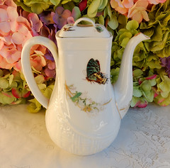 Antique Haviland Limoges Porcelain Coffee Pot ~ Osier Blank ~ Meadow Visitor (Donna's Collectables) Tags: coffee antique meadow pot blank visitor porcelain ~ limoges haviland osier
