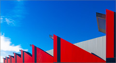 14/52 : Linear patterns [Explored] (Hervé Marchand) Tags: blue red lines architecture pattern bretagne minimal repetition minimalist challenge rennes 52 ligne répétition canoneos7d