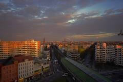Evening sun - Berlin Kreuzberg, Kottbusser Tor (Laducia Berlin) Tags: sky sun berlin clouds kreuzberg wolken sonne kottbussertor