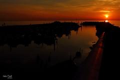 Crepuscolo (andreaprinelliphoto) Tags: sunset sun night canon tramonto porto sole rosso spiaggia notte scogli scogliera crepuscolo andreaprinelliphoto andreaprinelli prinelli