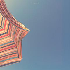 Verano (Kumo Moku) Tags: summer sky italy beach italia estate cielo verano spiaggia emiliaromagna ombrellone lidodiclasse