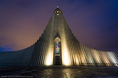 Hallgrmskirkja at night (Scott Cartwright Photography) Tags: building church stone architecture iceland cathedral landmark reykjavik spire hallgrmskirkja