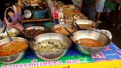 Markt Saucen (ziso) Tags: thailand market sauce chiangmai markt schssel waage marktfrau kokosmilch