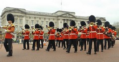 band of the scots guards 22 04 2016 (philipbisset275) Tags: unitedkingdom centrallondon cityofwestminster spurroad englandgreatbritain bandofthescotsguards 22042016
