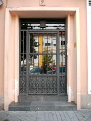 Cordoue/Crdoba, Andalousie (Marie-Hlne Cingal) Tags: door espaa andaluca puerta iron porta porte crdoba espagne tr fer andalousie cordoue