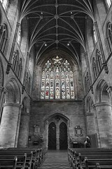 Hereford Cathedral (Travelling Postie) Tags: building monochrome architecture arch stonework herefordcathedral panasoniclumixfz1000