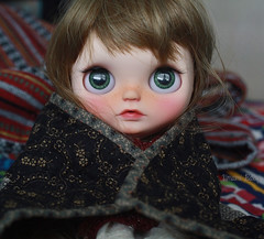 (umami_baby) Tags: miniature doll quilt alice ooak dressup hippie blythe freckles collectible etsy brunette fashiondoll customizeddoll edie beatnik dollhouse customblythe faceup umamibaby winterishallure