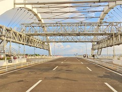 Plaza Jembatan Kenjeran - Bulak (Detta Priyandika) Tags: bridge fountain sunrise indonesia surabaya jembatan