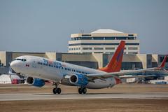 DL1L3794 (rubicon_dan) Tags: boeing spotting 737 yul 737800 sunwing 738 cftoh