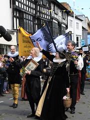 The William Shakespeare 400th anniversary parade, Stratford Upon Avon, Warwickshire, UK (Andy_Hartley) Tags: uk canon sigma parade actor warwickshire stratforduponavon williamshakespeare playwright 400thanniversary wordsmith sigma1770 dramatist englishpoet bardofavon canon7d greatestwriterintheenglishlanguage