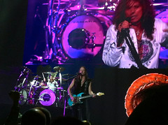 Whitenake iPhone-8 (DavidDMuir) Tags: concert glasgow hydro whitesnake 10dec2015