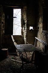 Un Invito a Pranzo (Roveclimb) Tags: old house mountain home window table chair ancient hiking room ruin sala finestra hut alm tavolo montagna sedia baita rovina decadente abbandonato escursionismo triangololariano lezzeno picet valledivilla cendraro