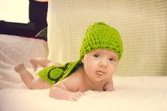 Ainhoa Tortuguita (Juanedc) Tags: espaa baby verde green girl beautiful costume spain turtle nia zaragoza disfraz newborn aragon bebe es tortuga hermosa saragossa beba ainhoa neonato valdespartera