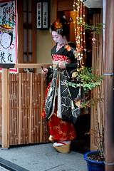 (-6 (nobuflickr) Tags: japan kyoto maiko geiko       miyagawachou 20160118dsc08900