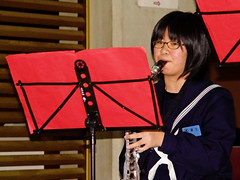 Girl to Play The Bass Clarinet :  (Dakiny) Tags: 2003 family autumn music woman girl japan student october daughter performer gifu clarinet ogaki