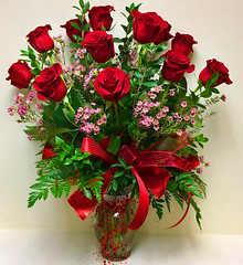 "#01 $85 Deluxe Dozen Long Stem Roses • <a style=""font-size:0.8em;"" href=""http://www.flickr.com/photos/39372067@N08/24610857070/"" target=""_blank"">View on Flickr</a>"