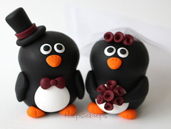 Penguin Wedding Cake Topper (fliepsiebieps_) Tags: wedding animal cake penguin custom toppers topper pinguins taarttopper handmadecaketoppers penguincaketopper fliepsiebieps