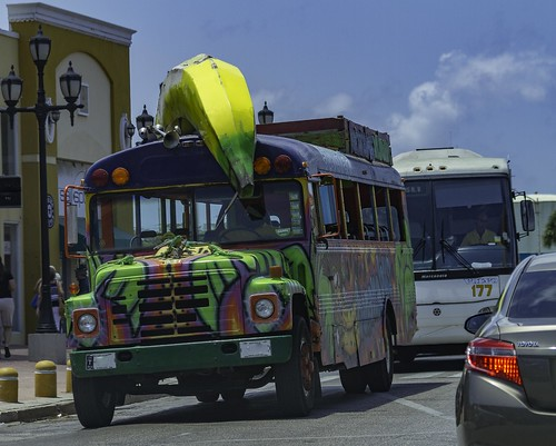 Banana Bus in Oranjestad, Aruba