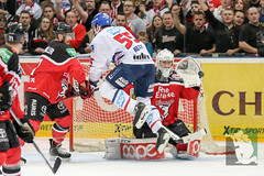 "DEL16 Kölner Haie vs. Adler Mannheim 24.01.2016 062.jpg • <a style=""font-size:0.8em;"" href=""http://www.flickr.com/photos/64442770@N03/24937576825/"" target=""_blank"">View on Flickr</a>"
