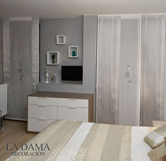 "Cortinas de Dormitorio en color plata • <a style=""font-size:0.8em;"" href=""http://www.flickr.com/photos/67662386@N08/25085060010/"" target=""_blank"">View on Flickr</a>"