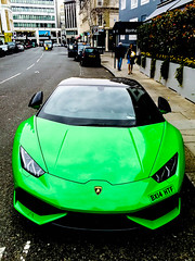HURACAN (ZAC DES) Tags: life park street 6 money black reflection green london up car wings italian parking fine fast huracan automotive arab motivation parked taste kensington expensive lamborghini luxury supercar iphone