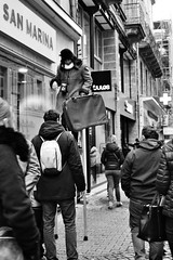 Street view (Laetitia Guesdon) Tags: street bw france monochrome photo view bretagne foule chasse saintbrieuc
