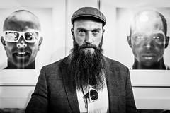 Street Portrait (Hendrik Lohmann) Tags: street portrait people streetphotography beards streetportrait menschen dsseldorf strase strassenfotografie strasenportait