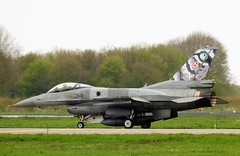 F16D Viper with CFT Polish Air Force (Robbies pictures) Tags: netherlands training gun fighter fuji force top flag air fries land excercise lucht leeuwarden jager vlieg frisian basis oefening gevecht straal xs1